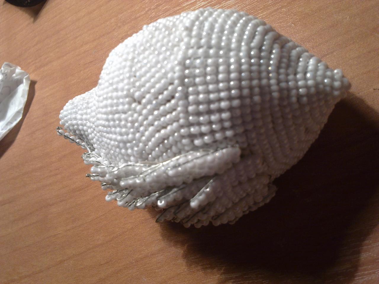 Лебеди из бисера с пошаговым фото
