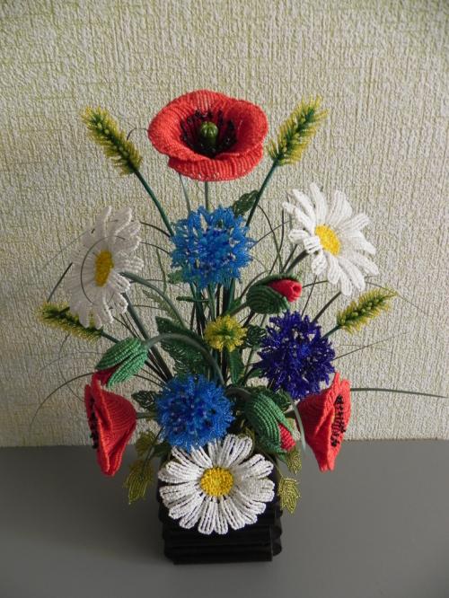 Букеты полевых цветов с бисера